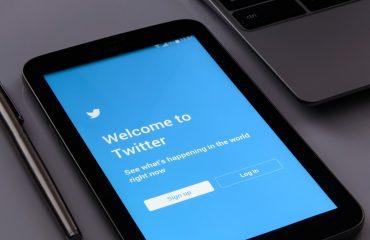 ເວລາທີ່ຈະລົງໃນ Twitter