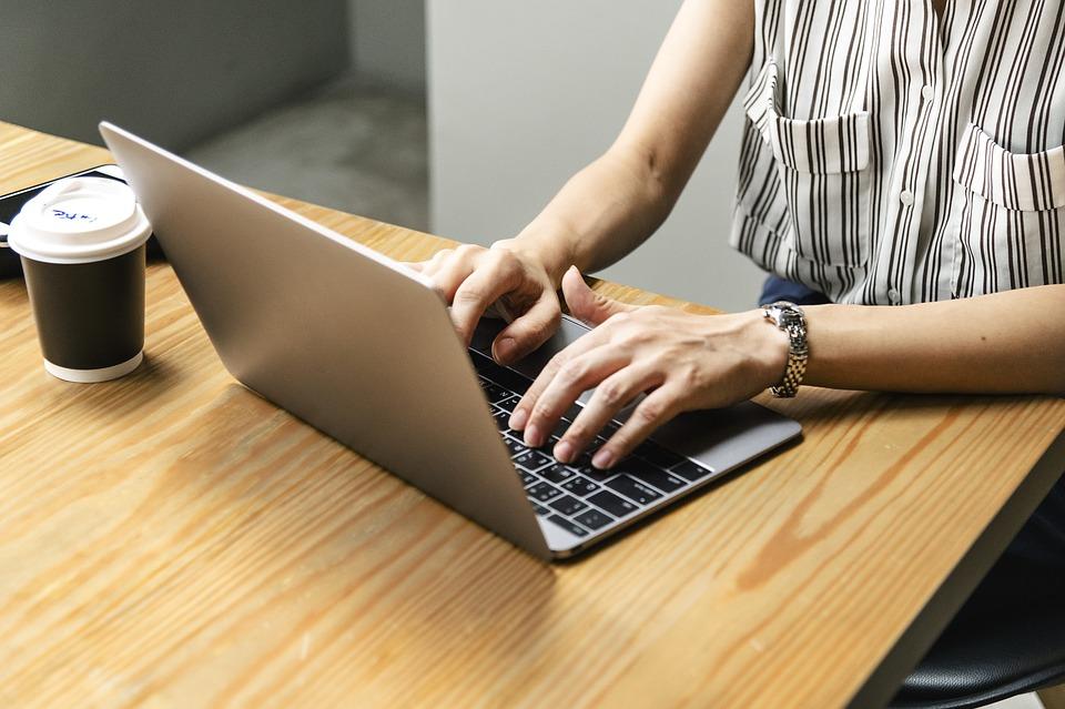 Internet datovania pýtať prvý deň
