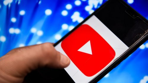 How much does YouTube pay for a million daily visits?